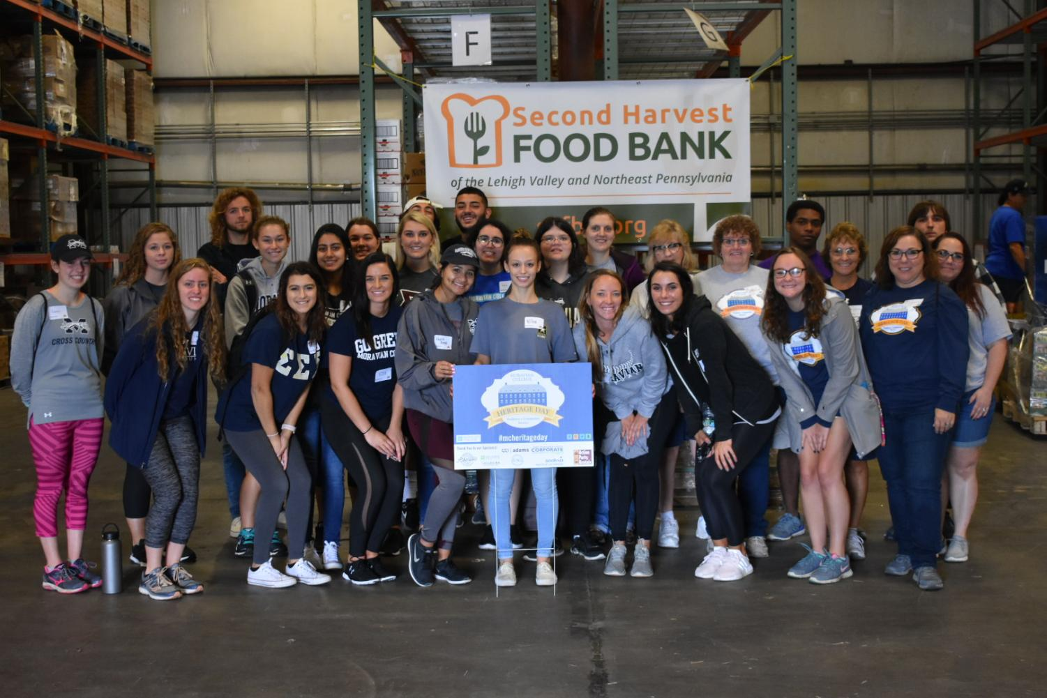 Moravian College students volunteering at Second Harvest Food Bank.