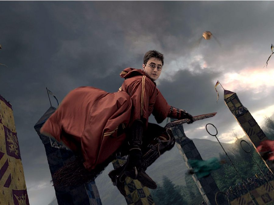 an+image+of+harry+potter+playing+quidditch