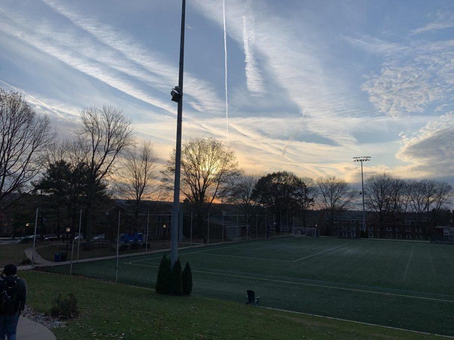 The+sunset+over+Makuvek+Field