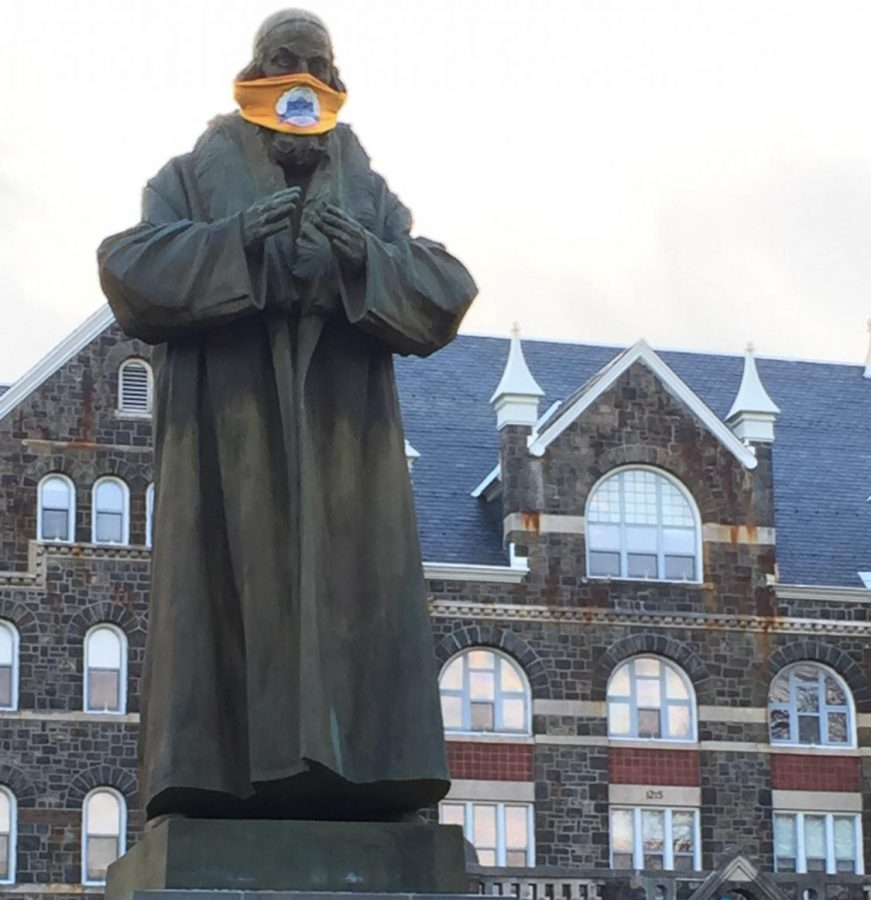 John+Amos+Comenius+Statue+sporting+a+mask+to+remind+us+to+protect+ourselves+and+others.+Photo+by%3A+Mark+Harris